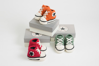crochet booties and boxes choosy stuff